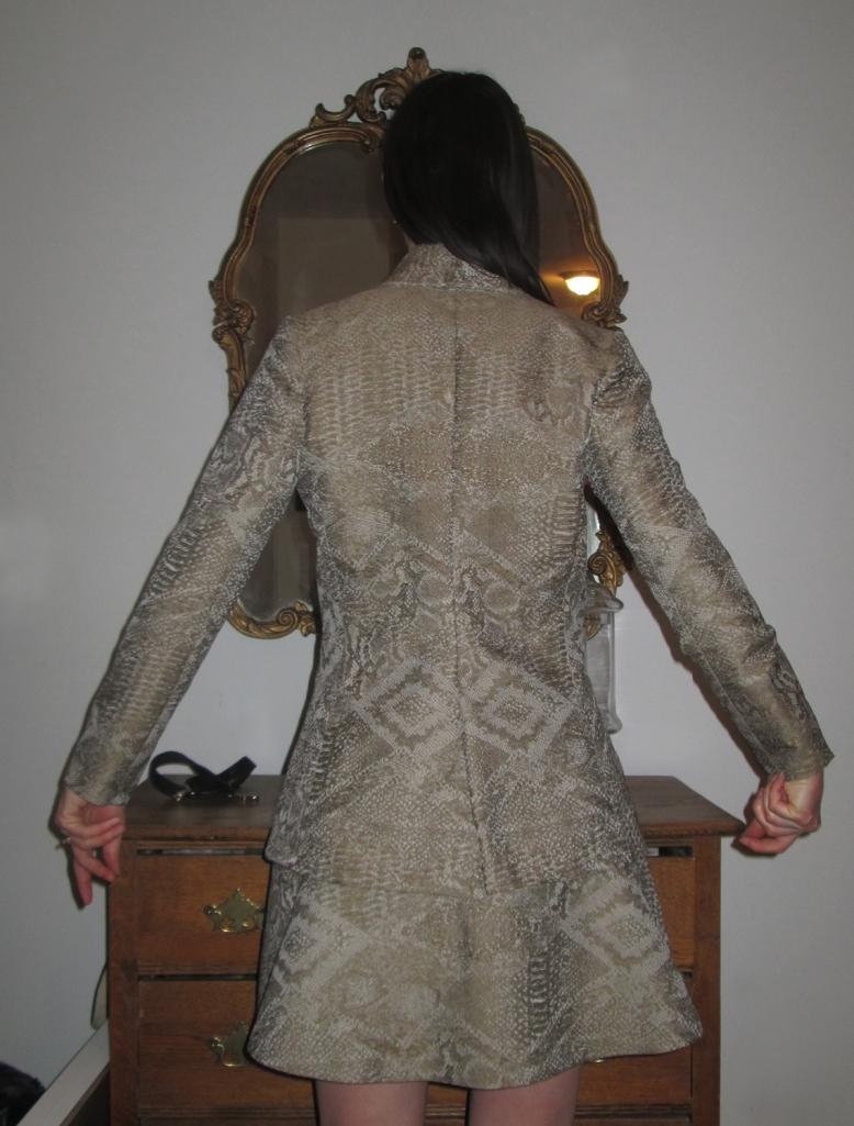 suit back view